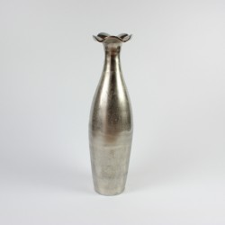 Høj vase i genbrugsaluminium fra FuhrHome